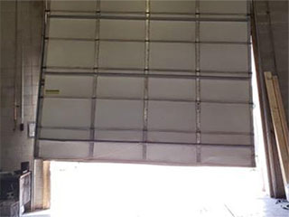 Common Garage Door Problems Amp Solutions Stone Mountain Ga